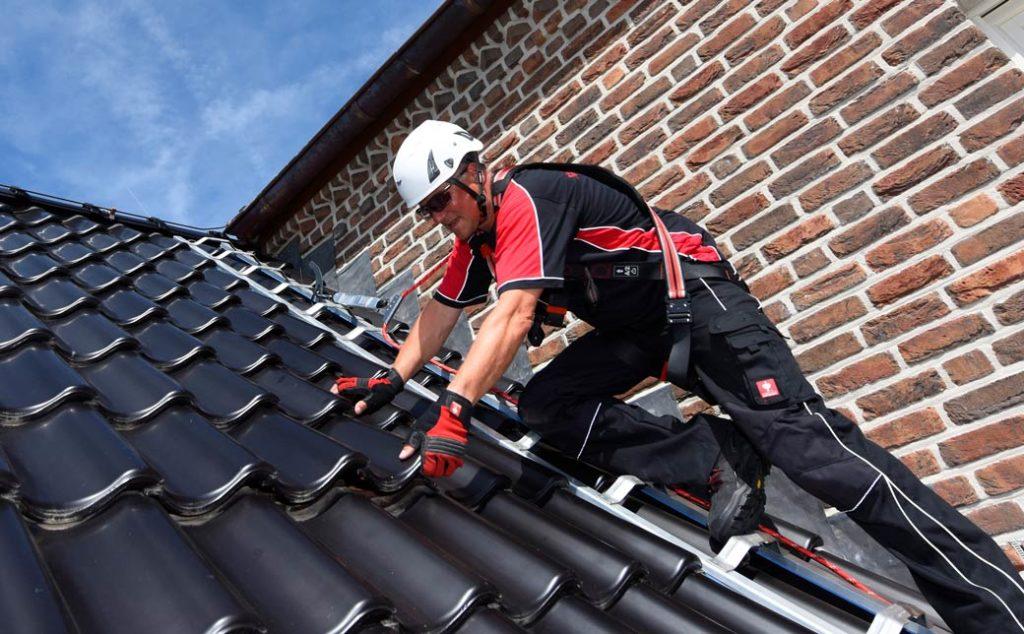 Crochet de sécurité pour toiture